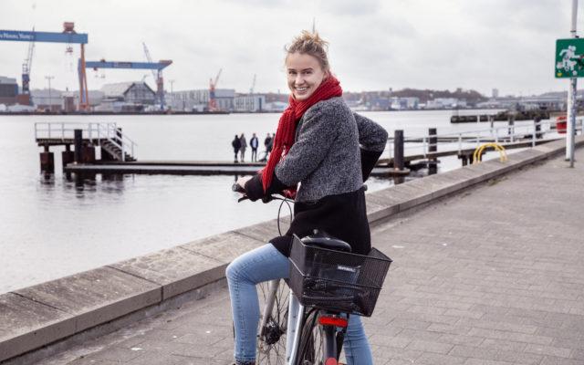 """""""Entspannt und spontan neue Wege kennenlernen.""""    -Aylin Ertan, 3. Semester BWL (M.Sc.)"""
